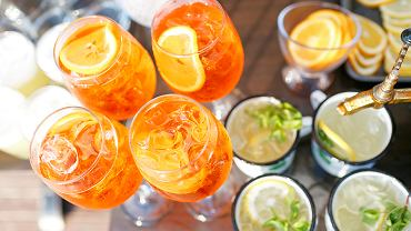 Do drinków na bazie prosecco można także dodawać różne likiery owocowe - na przykład z malin, czarnego bzu lub żurawiny.