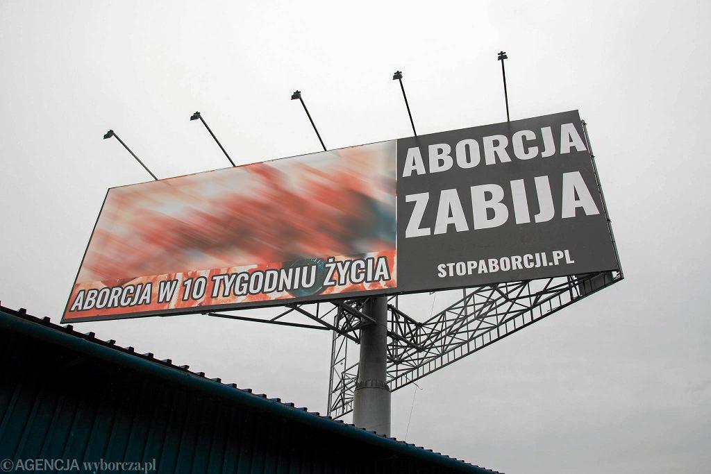 Antyaborcyjny billboard przy ul. Tischnera