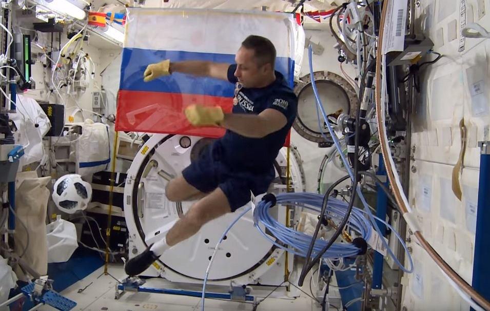 mecz otwarcia Mistrzostw Świata w kosmosie