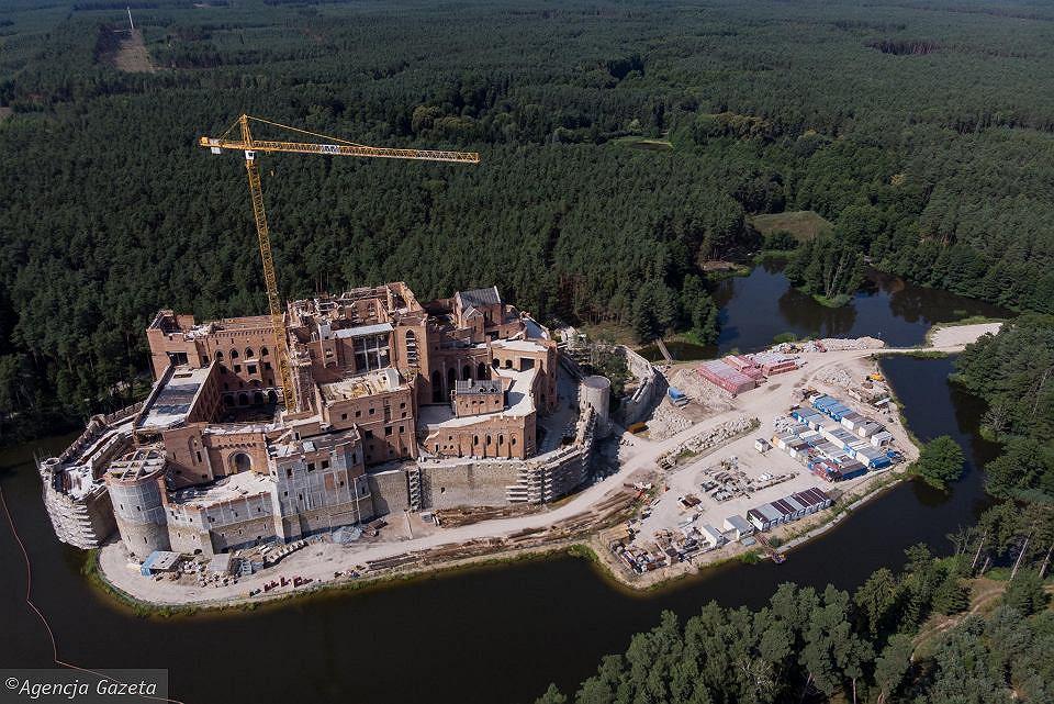Zamek w Stobnicy - stan w sierpniu 2019 r.