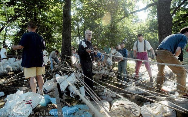 Zdjęcie numer 42 w galerii - 17 lat temu Odra zalała Wrocław. Tak wyglądało miasto [FOTO]