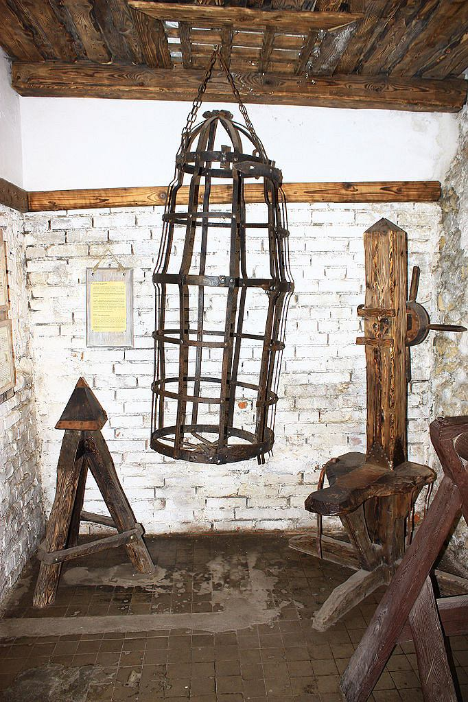 Sala tortur na Zamku Ogrodzieniec / Fot. Dawid Galus / Wikimedia CC BY-SA 3.0