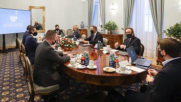 Prezydent Andrzej Duda spotkał się z premierem Mateuszem Morawieckim