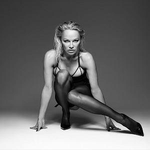 Pamela Anderson w zmysłowej sesji!