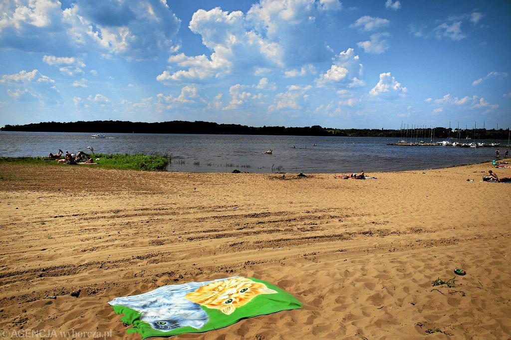 Jedna z plaż nad Zalewem Zegrzyńskim