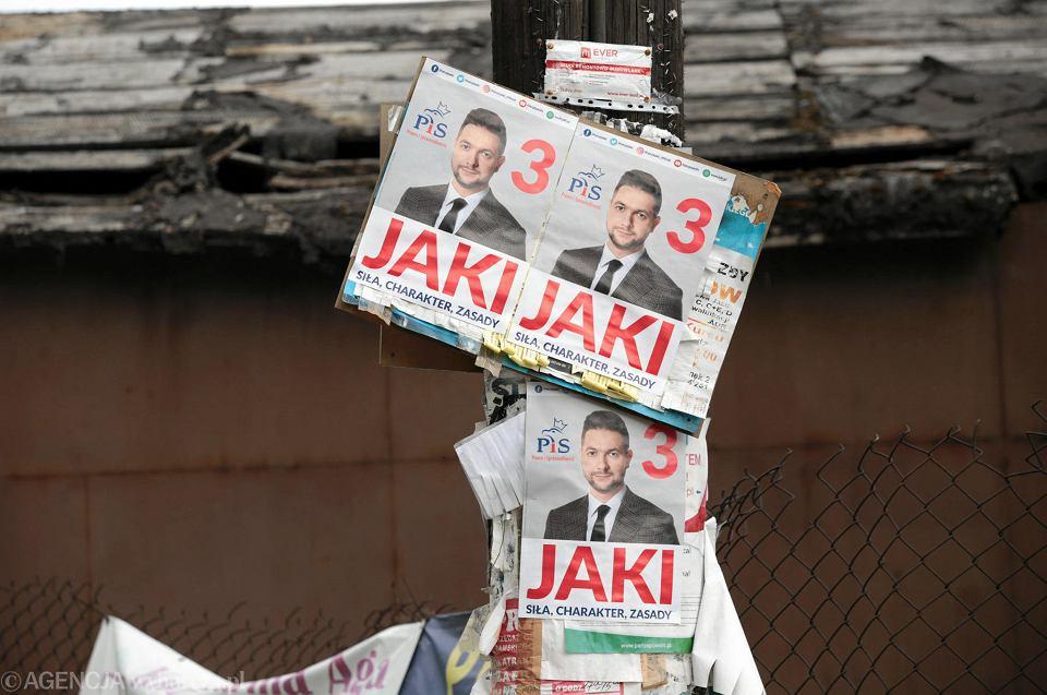 Łopuszno, 8 maja 2019. Plakaty wyborcze przed wyborami do europarlamentu