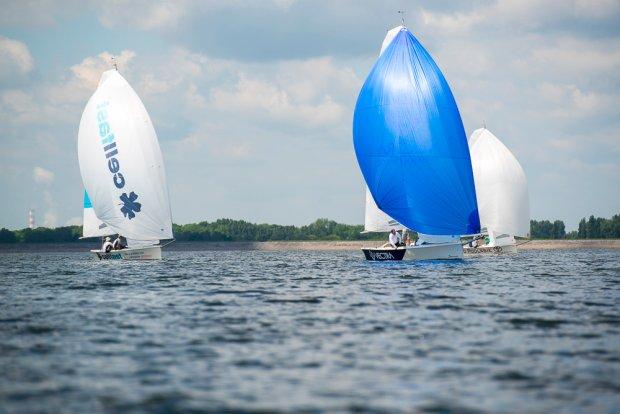 Regaty żeglarskie Apotex Cup w klasie Delphia 24 One Design na jeziorze Turawskim