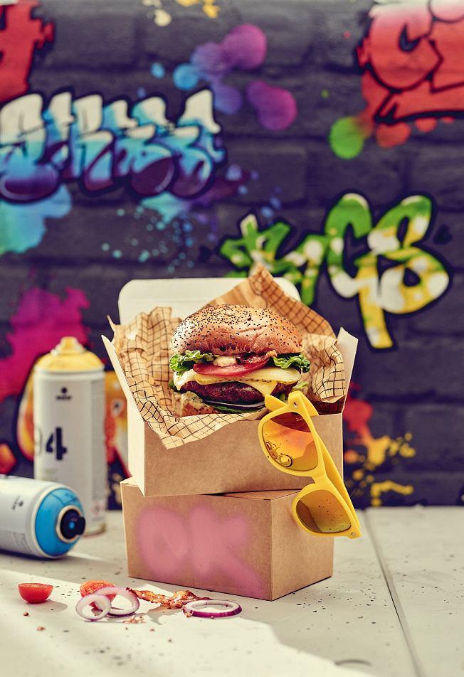 Burger z sosem kolendrowym