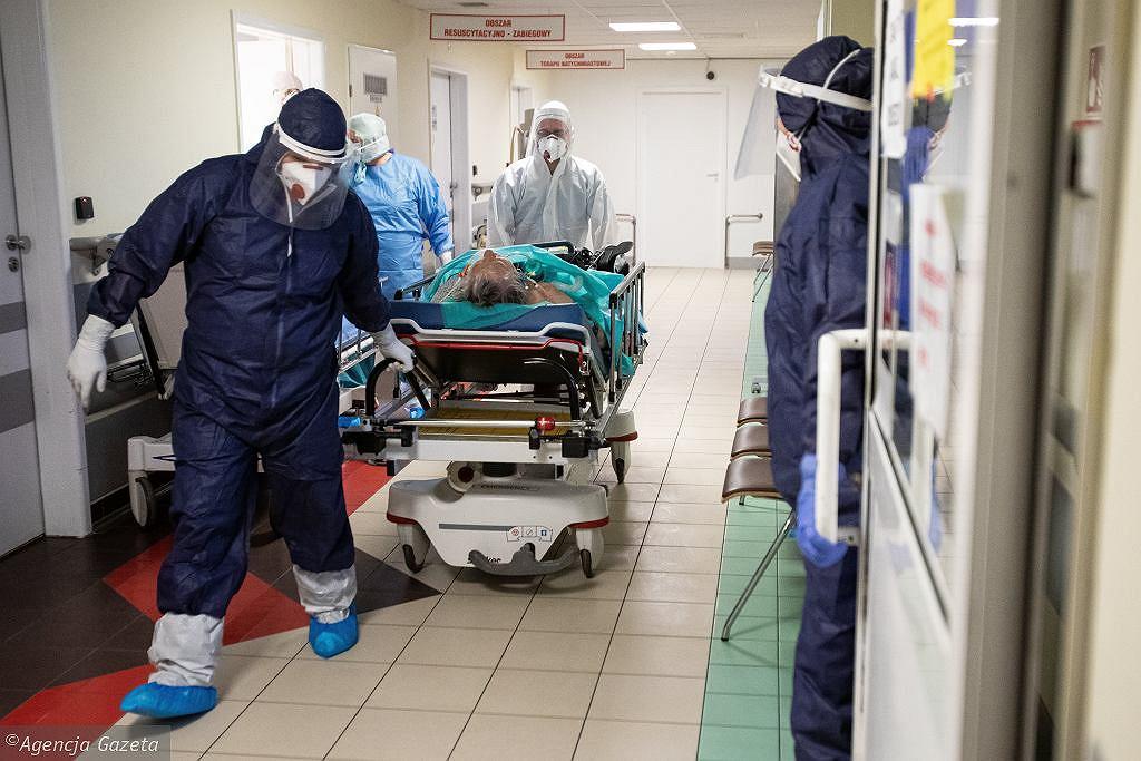 Koronawirus. Padł nowy rekord zajętych łóżek i respiratorów