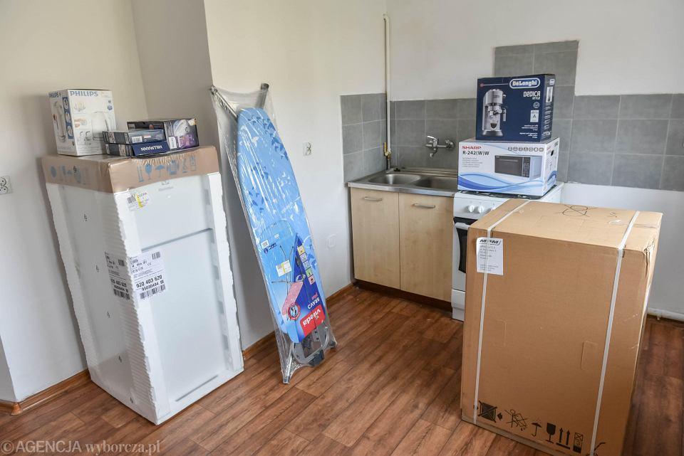 Zdjęcie numer 2 w galerii - Koronawirus. Meble i sprzęt dojechały na miejsce. Mieszkanie dla zielonogórskich medyków już gotowe [ZDJĘCIA]