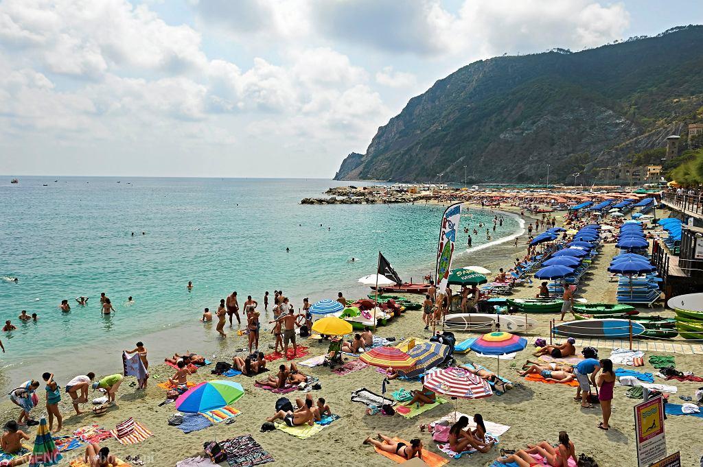 Plaża w miejscowości Monterosso al Mare we Włoszech. W tym roku, z powodu koronawirusa, tak nie może wyglądać.