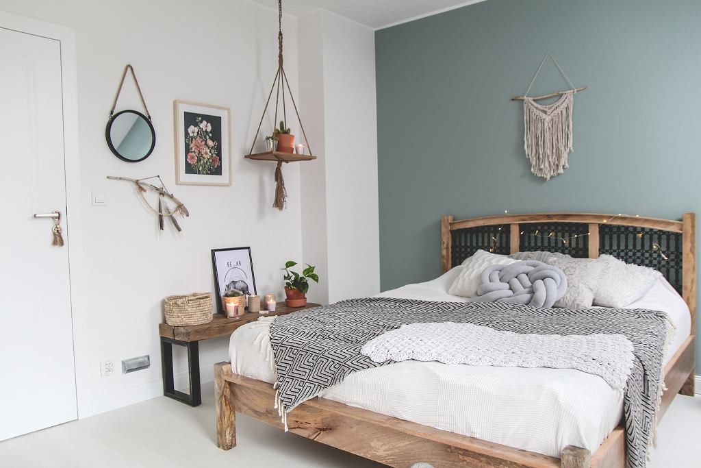 Sypialnia w stylu boho to kwintesencja wakacyjnego klimatu