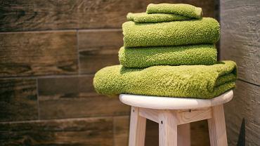 Miękkie i pachnące ręczniki na dłużej? Trzy sprawdzone triki, które przedłużą ich świeżość