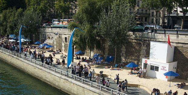 Plaże nad Sekwaną w Paryżu / flickr.com Marcel Dejong