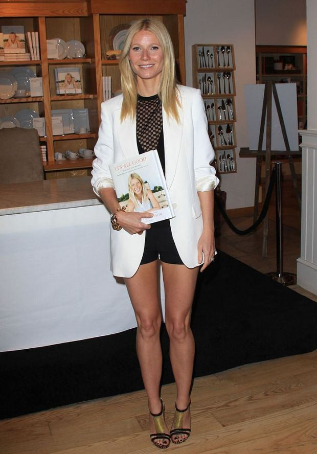 Gwyneth Paltrow signing her new book 'It's All Good: Delicious, Easy Recipes that Will Make You Look Good and Feel Great' at Williams Sanoma in Beverly Hills.  Pictured: Gwyneth Paltrow