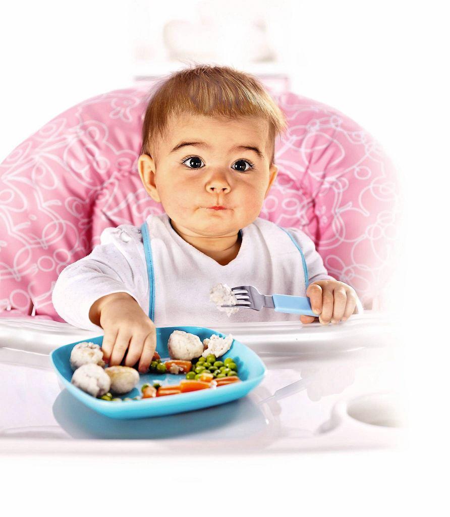 Posiłek musi się składać z różnych pokarmów. Potrzeb żywieniowych nie zaspokoi sam serek ani sucha bułka.