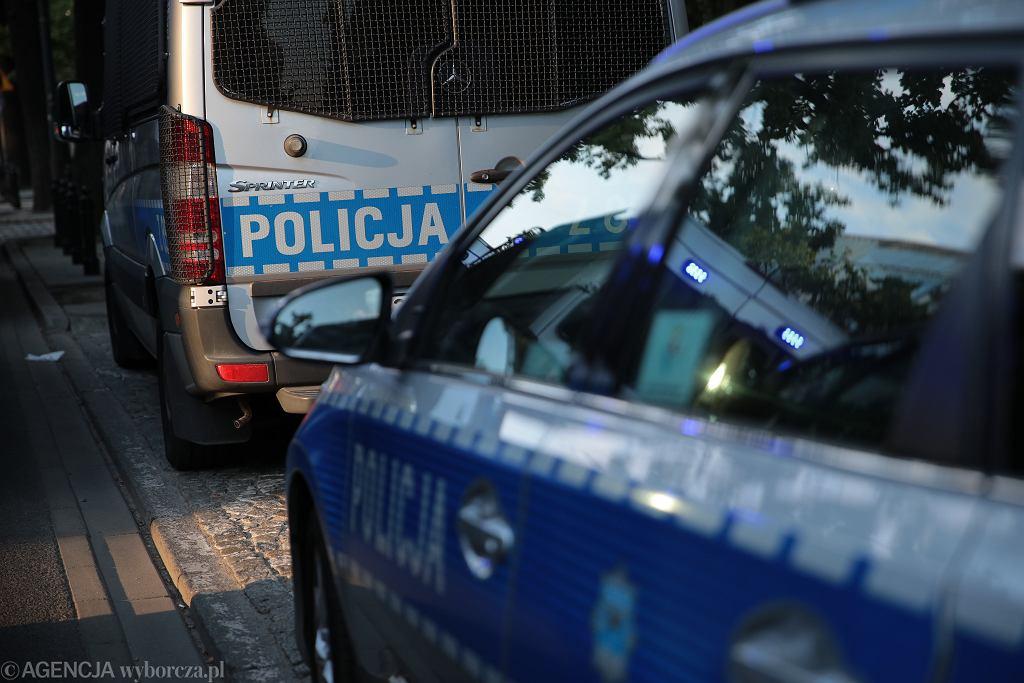 Mazowieckie. Policjanci ruszyli w pościg za podejrzanym o rozbój (zdjęcie ilustracyjne)
