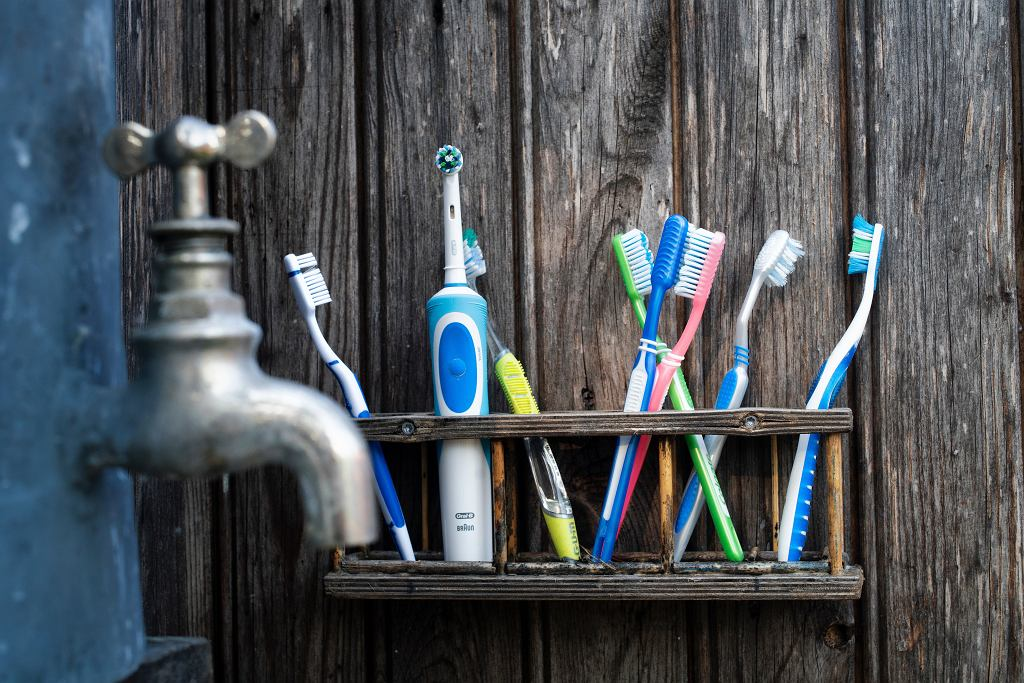 Mycie zębów to podstawa higieny jamy ustnej.