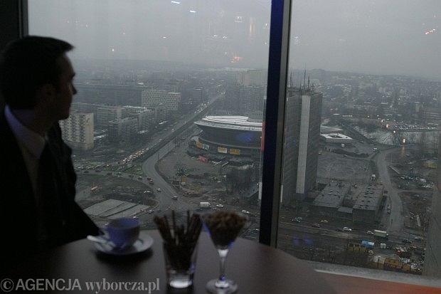 26.03.2004, Katowice. Otwarcie Sky Baru w wieżowcu Uni Centrum / Fot. Grzegorz Celejewski / Agencja Gazeta