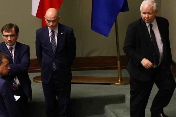 Prezes PiS Jarosław Kaczyński, Mariusz Błaszczak i Zbigniew Ziobro w Sejmie