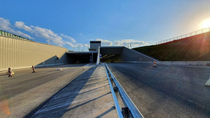 Tunel Południowej Obwodnicy Warszawy na ukończeniu