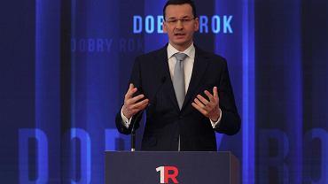 Mateusz Morawiecki podczas podsumowania roku rządów PiS