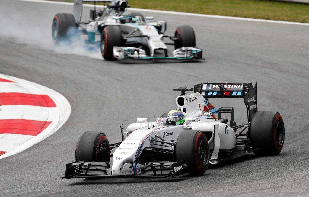 Felipe Massa na torze Red Bulla