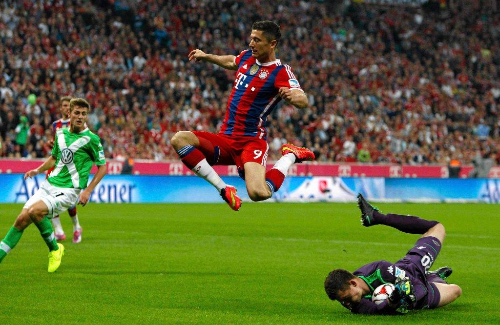 Robert Lewandowski w meczu z Wolfsburgiem