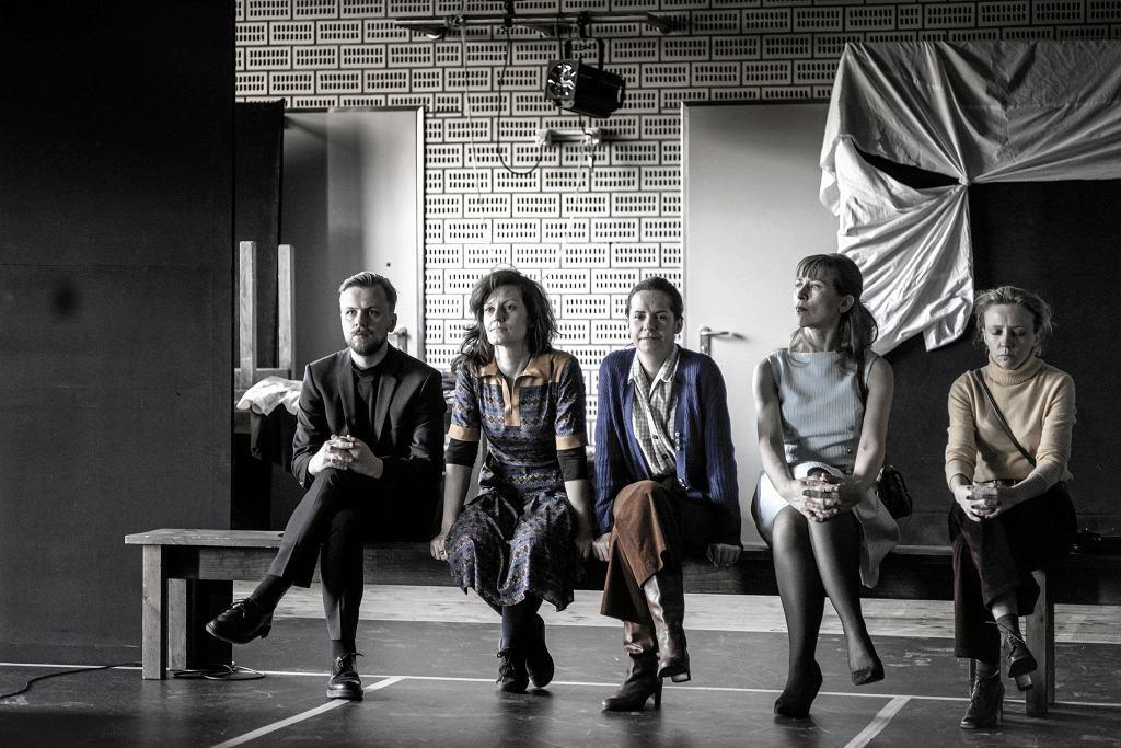 'Kilka obcych słów po polsku', reż. Anna Smolar, Teatr Polski w Warszawie / Fot.RAFAŁ PARADOWSKI