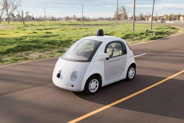 Właśnie ten samochód Google wyrusza na publiczne drogi tego lata