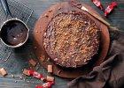 Ciasto czekoladowe z orzechami i batonikami Daim - Zdjęcia