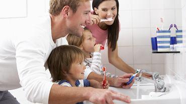 Dziecko - mycie zębów