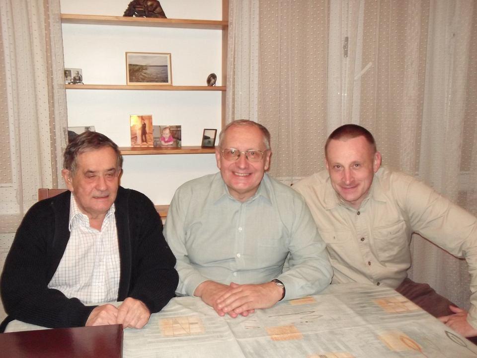 Profesor Jan Kisyński( z lewej) z uczniami, profesorami Wojciechem Chojnackim i Adamem Bobrowskim