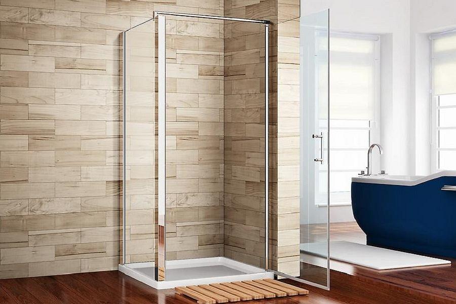 Łazienka z kabiną prysznicową i wanną.