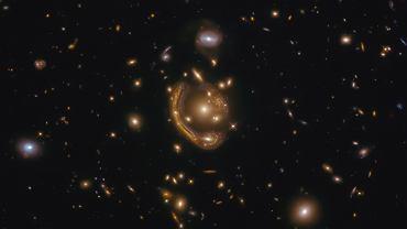 Teleskop Hubble'a dał nam naoczny dowód na prawdziwość teorii Einsteina. Teraz wykonano pomiary