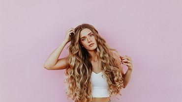 Równowaga PEH, a zdrowe włosy