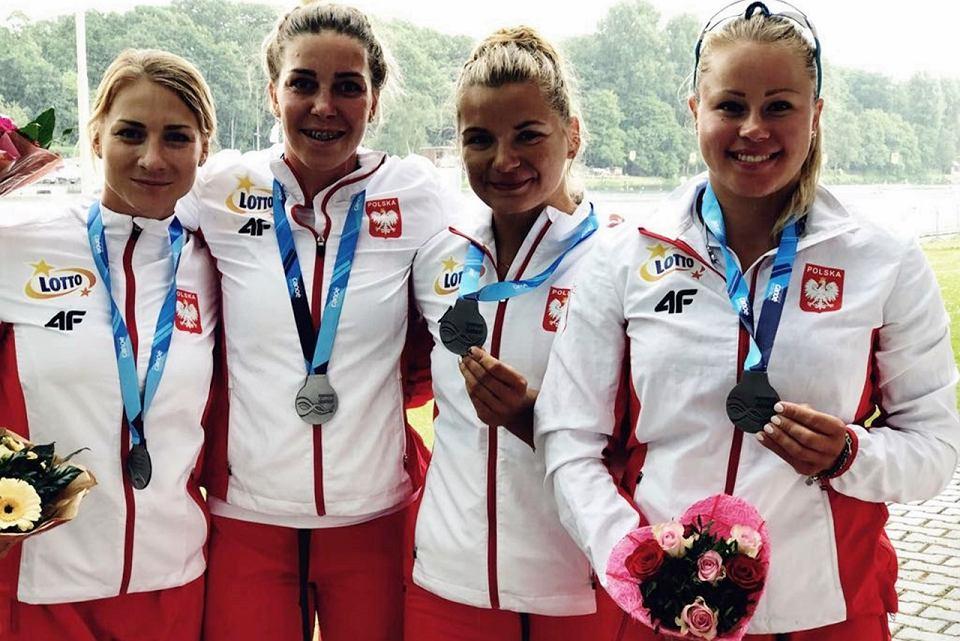 Polska kajakowa czwórka podczas zawodów Pucharu Świata w Duisburgu, w składzie m.in. Karolina Naja i Anna Puławska