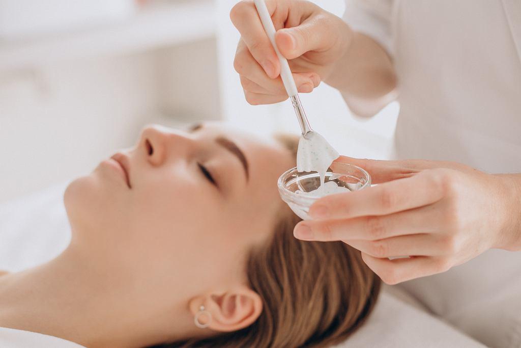 Pielęgnacja skóry: kwas azelainowy
