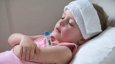 Trzydniówka u dzieci objawia się wysoką temperaturą. Zdjęcie ilustracyjne