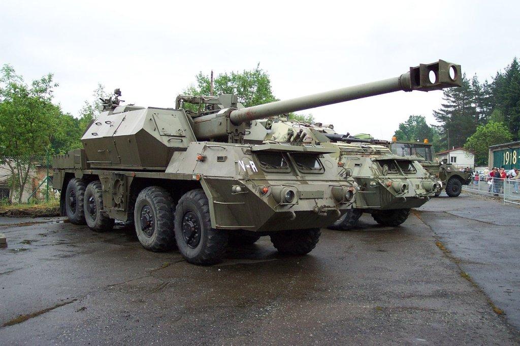 Armatohaubica wz. 1977 Dana - wedle rosyjskiego portalu 12 takich dział Polska wysłała na pomoc Ukrainie