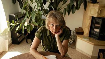 Teresa Torańska - jak mało kto zasłużyła na miano ikony polskiego dziennikarstwa. Książki Torańskiej, niezapomniane i fascynujące rozmowy,  to  lektury obowiązkowe