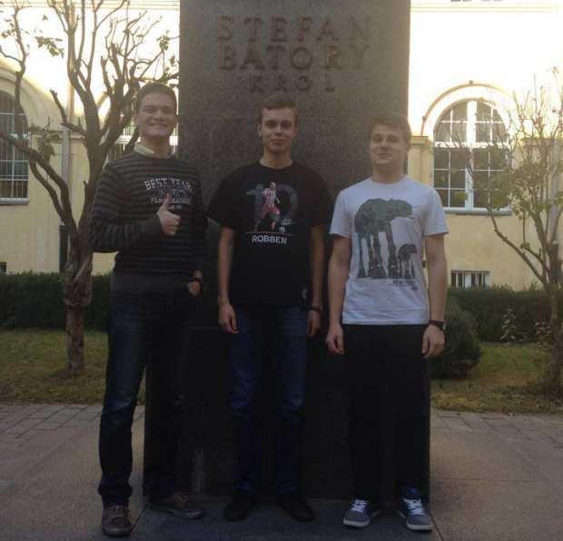 Uczniowie z Batorego: Kacper Kresa, Jacek Spaliński i Ignacy Strzałkowski