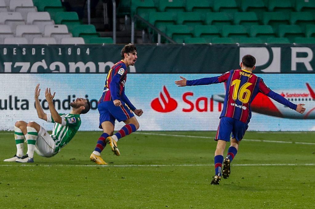 FC Barcelona pokonała Betis 3:2.
