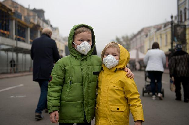 Niektóre szkoły wydają komunikaty w związku z koronawirusem we Włoszech. Proszą, by dzieci nie przychodziły na zajęcia