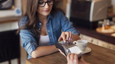 Posiadaczy kart chroni system reklamacji, który pozwala odzyskać utracone środki (fot. Shutterstock.com)