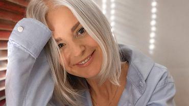 Pierwsze siwe włosy pojawiają się zazwyczaj między 35. a 40. rokiem życia.