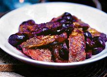 Żeberka wieprzowe z wiśniami - ugotuj