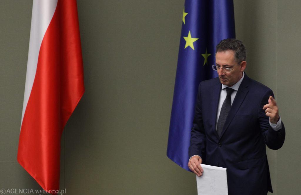 Minister spraw wewnętrznych Bartłomiej Sienkiewicz przed głosowaniem nad wotum nieufności dla niego