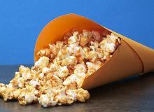 Karmelowy popcorn do kina domowego - ugotuj