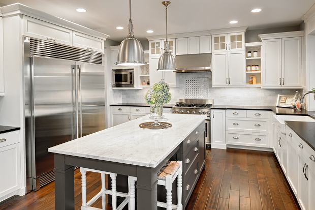 Panele podłogowe do kuchni - jaki materiał wybrać? Inspiracje